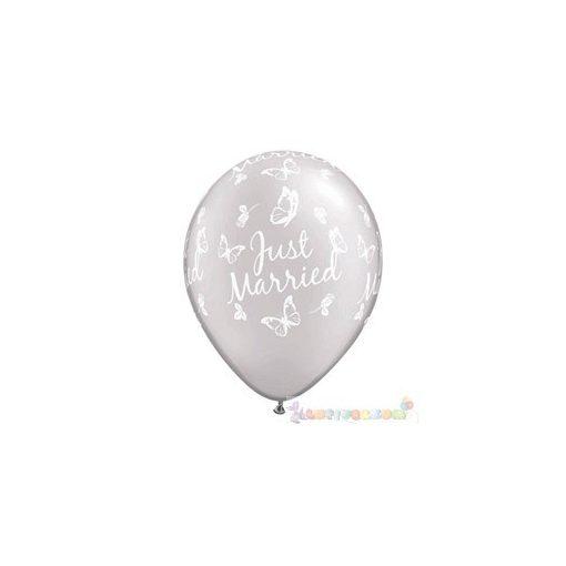 28 cm-es latex Qualatex Just Married Butterflies Pearl White Esküvői Léggömb Darabra